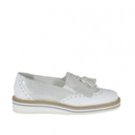 Woman's moccasin shoe with elastic bands and tassels in white leather and silver printed leather wedge heel 2 - Available sizes:  33