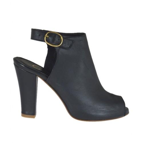Sandalo accollato da donna in pella nera con plateau e tacco 9 - Misure disponibili: 33, 34, 46