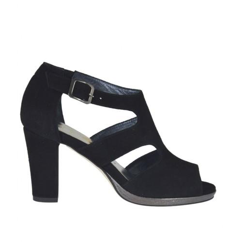 Zapato abierto con cinturon y plataforma en gamuza de color negro tacon 8 - Tallas disponibles:  32, 33