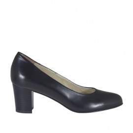 Woman's pump in black leather block heel 5 - Available sizes:  32, 33, 34, 42, 43, 44, 45
