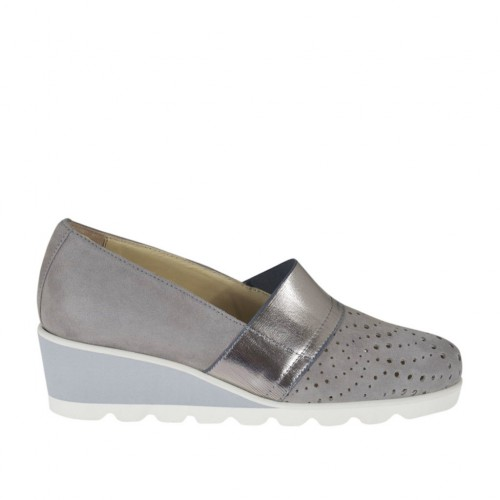 Woman's highfronted shoe with elastic band in grey pierced suede and silver laminated leather wedge heel 4 - Available sizes:  42, 43, 45
