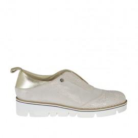 Zapato para mujer con elastico y estrass en piel platino y rosa polvo y gamuza laminada platino cuña 3 - Tallas disponibles: 32, 33, 34, 42, 43, 44, 45