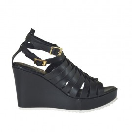 Woman's platform strap sandal with intertwined straps in black leather wedge 8 - Available sizes: 31, 32, 33, 34