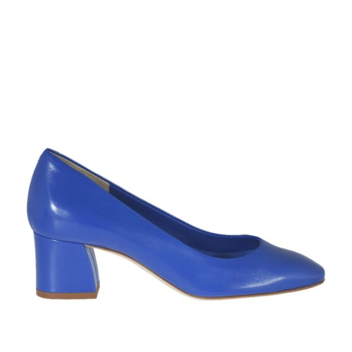Woman's pump in blue leather heel 5 - Available sizes:  33, 45, 46