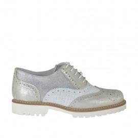 Zapato oxford para mujer con cordones en piel perforada blanca y piel laminada plateada y platino tacon 3 - Tallas disponibles:  33, 44, 45