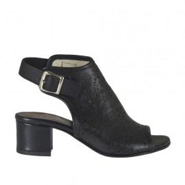 Sandalia con frontal alto para mujer en piel perforada negra tacon 4 - Tallas disponibles: 32, 33, 34, 42, 43, 44, 45