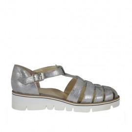 Chaussure ouvert avec courroie pour femmes en cuir lamé argent talon compensé 3 - Pointures disponibles:  32, 33, 34, 43, 44