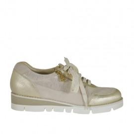 Zapato con cordones y cremalleras para mujer en gamuza rosa polvo y piel estampada laminada platino cuña 3 - Tallas disponibles:  33