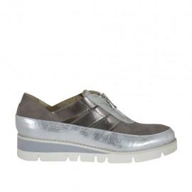 Zapato con cremallera para mujer en gamuza gris y piel laminada gris y plateada cuña 3 - Tallas disponibles:  42, 43, 44, 45