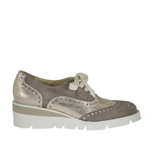 Woman's laced shoe with rhinestones in platinum laminated leather and taupe suede wedge heel 4 - Available sizes:  44
