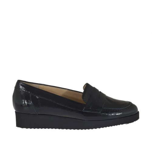 Woman's moccasin shoe in black patent leather wedge heel 3 - Available sizes:  45