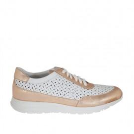 Zapato para mujer con cordones en piel perforada blanca y laminada cobre cuña 3 - Tallas disponibles:  42, 43, 45, 46