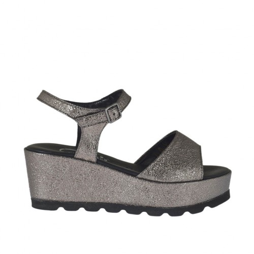 Woman's gunmetal strap sandal with rock-like texture, platform and wedge 6 - Available sizes:  31, 45