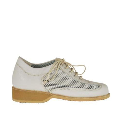 Woman's laced shoe in beige leather and pierced fabric wedge heel 3 - Available sizes:  43, 44, 45