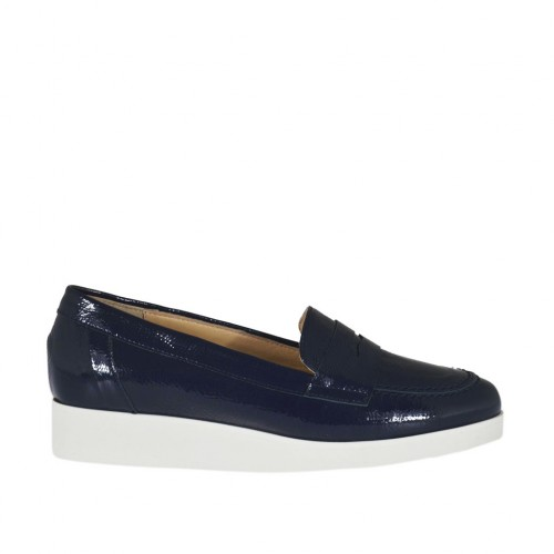 Woman's moccasin in blue patent leather wedge heel 3 - Available sizes:  32, 42