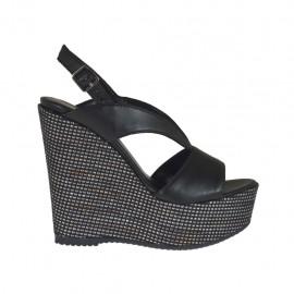 Sandalo da donna nero con plateau e zeppa 11 rivestita in tessuto - Misure disponibili: 31, 34, 42, 43, 46