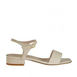 Sandalo da donna con cinturino in vernice beige cipria tacco 2 - Misure disponibili: 34, 46