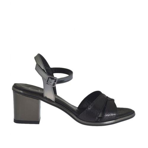 Sandalo da donna nero e laminato canna di fucile con cinturino tacco 5 - Misure disponibili: 32