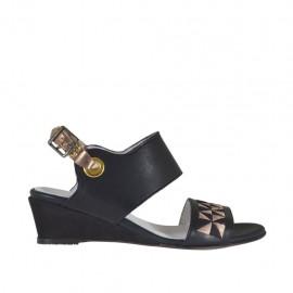 Sandale pour femmes en cuir noir et lamé cuivre avec broderie talon compensé 3 - Pointures disponibles:  33, 42, 43, 44, 45, 46