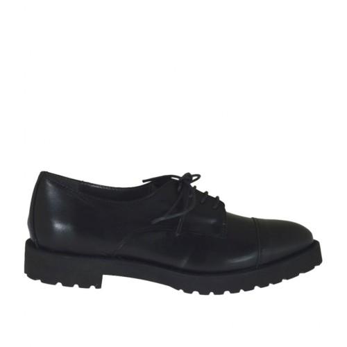 Chaussure derby à lacets pour femmes en cuir noir avec talon 3 - Pointures disponibles:  46