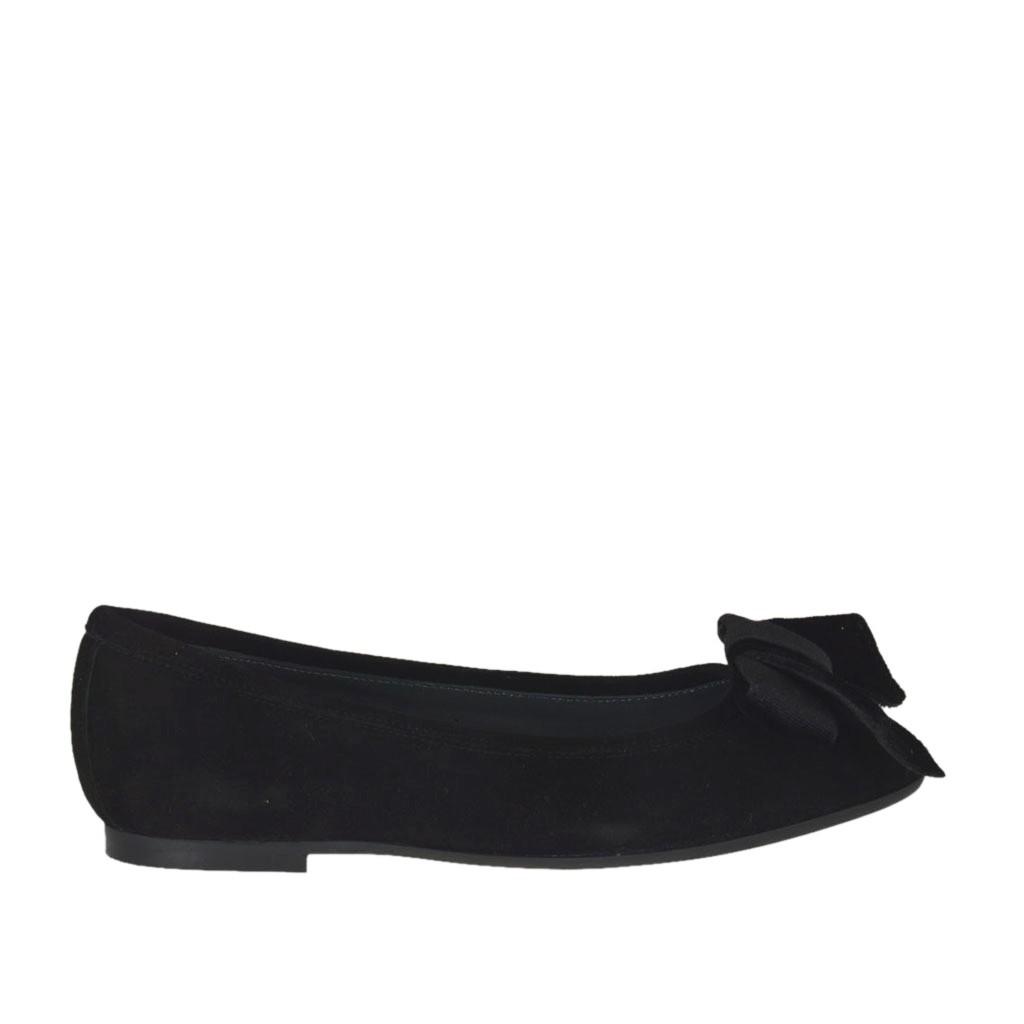 velvet bow in black suede heel 1