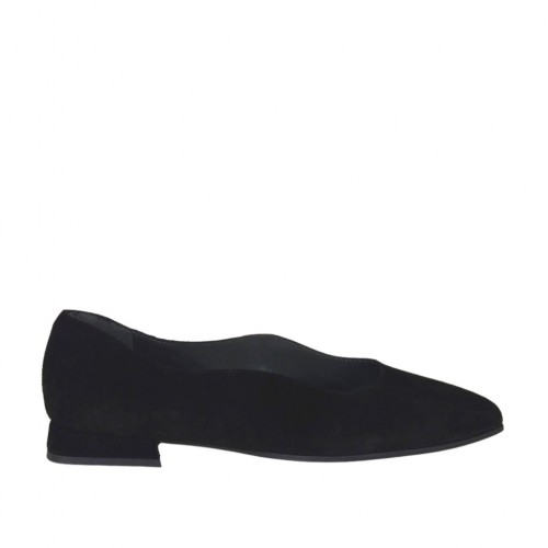 Woman's pointy pump shoe in black suede heel 1 - Available sizes:  33, 45