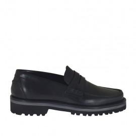 Mocassin pour hommes en cuir de couleur noir - Pointures disponibles:  36, 38, 46, 47, 48, 49
