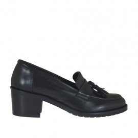 Woman's mocassin with tassels in black leather heel 5 - Available sizes:  32, 33, 34, 42, 43, 44, 45