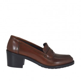 Woman's mocassin in tan leather heel 5 - Available sizes:  32, 43, 44, 45