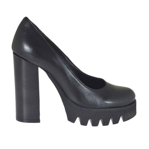 Woman's pump in black leather heel 10 - Available sizes:  31, 32, 33, 42, 44