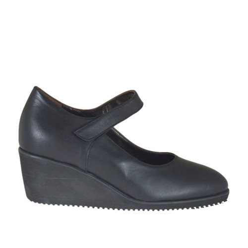 Woman's pump with velcro strap and removable insole in black leather wedge 6 - Available sizes:  44