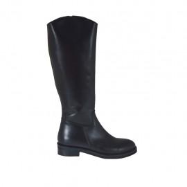 Glatter Damenstiefel mit innerem Rei?verschluss aus schwarzfarbigem Leder Absatz 3 - Verfügbare Größen:  33