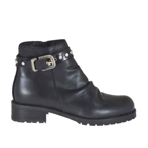 Stivaletto da donna con cerniera, fibbia e borchie in pelle nera tacco 3 - Misure disponibili: 34