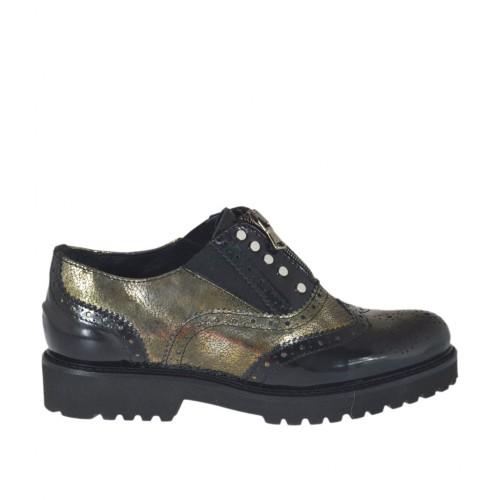Zapato para mujer con cremallera, elasticos y tachuelas en piel cepillada negra y piel imprimida laminada oro tacon 3 - Tallas disponibles:  33, 34, 42, 43, 44