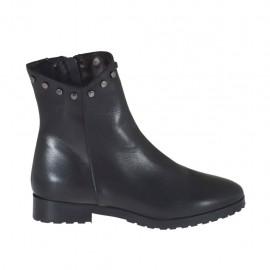 Damenstiefelette mit Reißverschluss und Nieten aus schwarzem Leder Absatz 2 - Verfügbare Größen:  33, 46