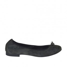 Ballerina da donnain camoscio grigio con fiocco tacco 1 - Misure disponibili: 46