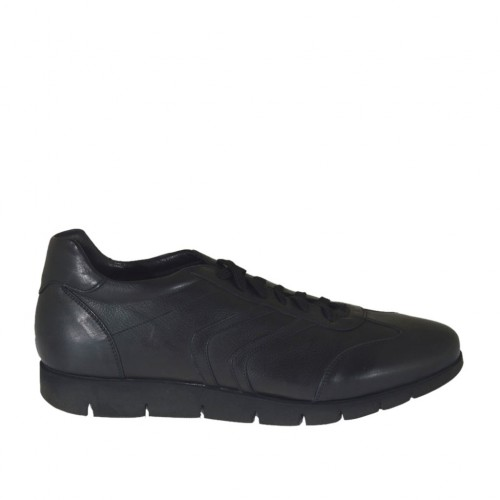 Laced sports shoe for men in black leather - Available sizes:  47, 48, 52
