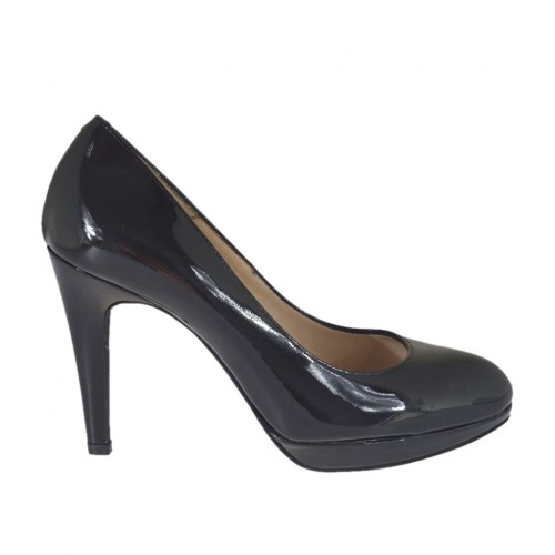Woman's pump with platform in black patent leather heel 9 - Available sizes:  31, 43