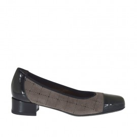 Woman's pump shoe in black patent leather and taupe pierced suede heel 2 - Available sizes:  32, 33, 34, 43, 44, 45