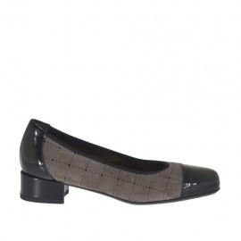 Zapato de salon para mujer en charol negro y gamuza perforada gris pardo tacon 2 - Tallas disponibles:  32, 33, 34, 42, 43, 44, 45