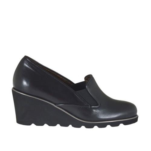 más baratas nuevo estilo varios estilos Zapato cerrado para mujer con elasticos en piel de color negro cuña 6
