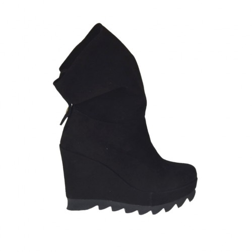 Woman's ankle boot with zipper and platform in black suede wedge heel 9 - Available sizes:  42, 43