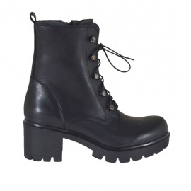?Woman's ankle boot with zipper and laces in black leather heel 6 - Available sizes:  33, 34, 46