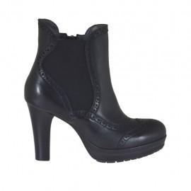 Damenstiefelette aus schwarzem Leder mit Plateau, Reißverschluss und Gummiband Absatz 8 - Verfügbare Größen:  34, 42, 43