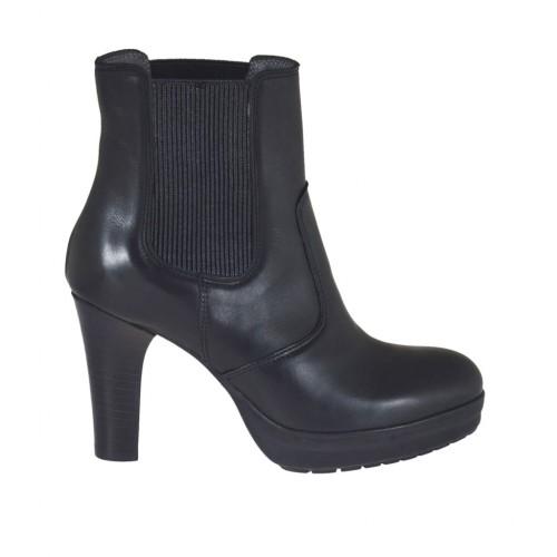 Stivaletto da donna con elastici laterali e plateau in pelle nera tacco 8 - Misure disponibili: 33, 42