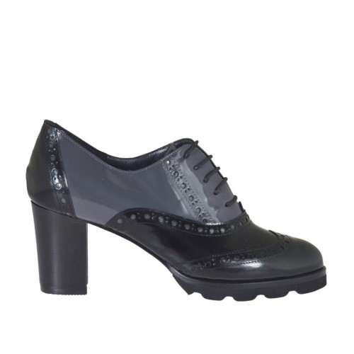3d58c9b6fdeec Woman's highfronted laced Oxford shoe in grey and black brush-off leather  heel 6 -
