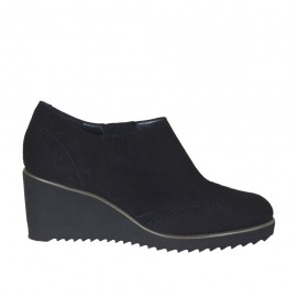 Woman's highfronted shoe with elastic bands in black suede wedge 6 - Available sizes:  34, 43