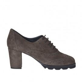 Scarpa stringata da donna modello Oxford in camoscio taupe tacco 6 - Misure disponibili: 32, 43, 44