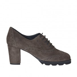 Woman's highfronted laced Oxford shoe in taupe suede heel 6 - Available sizes:  32, 33, 34, 42, 43, 44