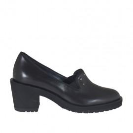 Scarpa accollata da donna con elastici e borchie in pelle nera tacco 6 - Misure disponibili: 32, 33, 42, 43, 44